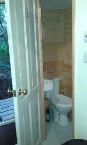 lodge2-toilet
